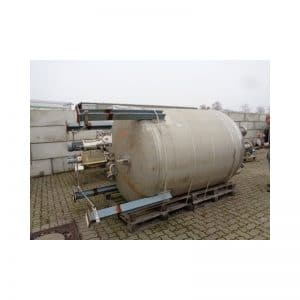 pressure-vessel-5125-litres-standing-outside-3668