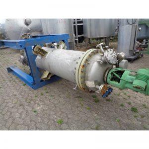 pressure-vessel-790-litres-standing-top-3897