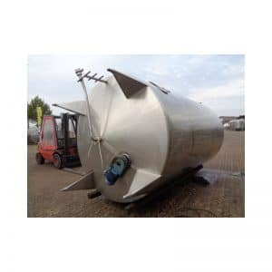 mixing-tank-18700-litres-standing-outside-3240