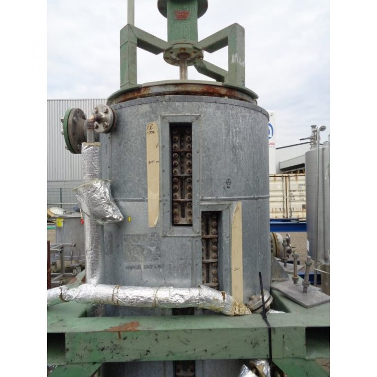 mixing-tank-400-litres-standing-front-3899