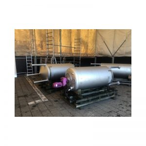 mixing-tank-800-litres-standing-outside-2802
