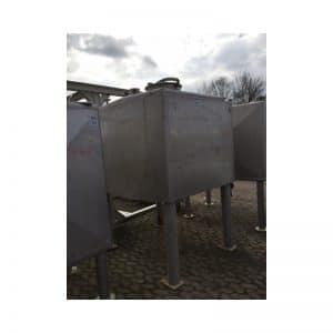 rectangular-tank-2200-litres-standing-side-3479