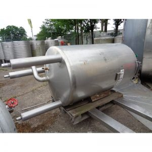 stainless-steel-tank-1000-litres-standing-bottom-3951