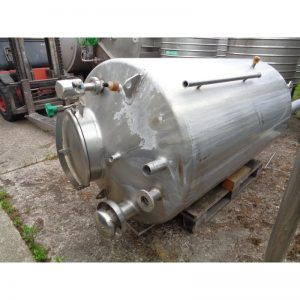 stainless-steel-tank-1000-litres-standing-top-3951