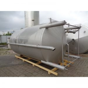 stainless-steel-tank-12800-litres-standing-outside-3939
