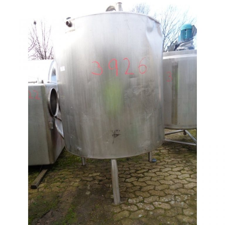 stainless-steel-tank-2400-litres-standing-front-3926
