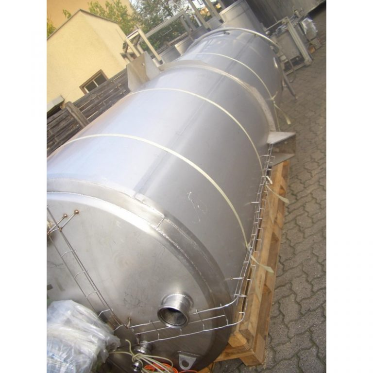 stainless-steel-tank-3850-litres-standing-top-3437