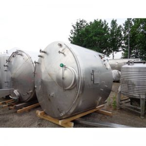 stainless-steel-tank-4000-litres-standing-front-3954