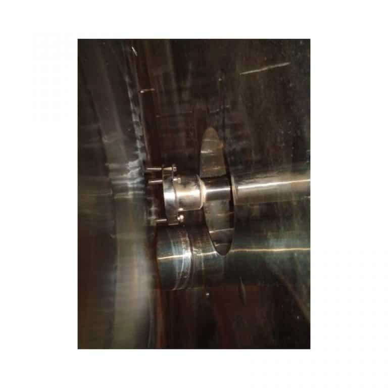 stainless-steel-tank-5000-litres-standing-close-3691