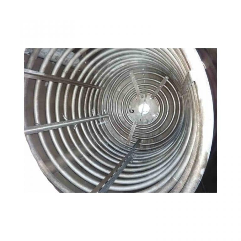 stainless-steel-tank-5000-litres-standing-insdie-3627