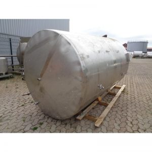 stainless-steel-tank-5800-litres-standing-front-3945