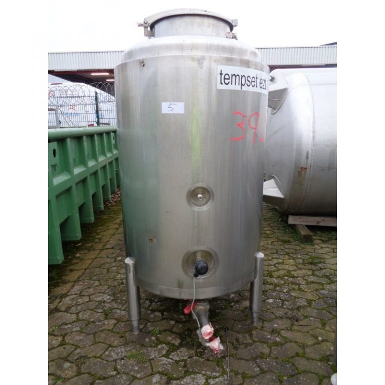 stainless-steel-tank-700-litres-standing-front-3928