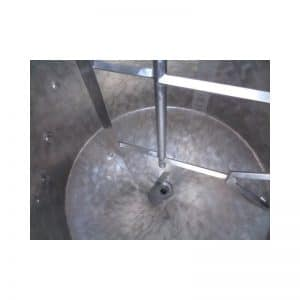 mixing-tank-1000-litres-standing-inside-3730