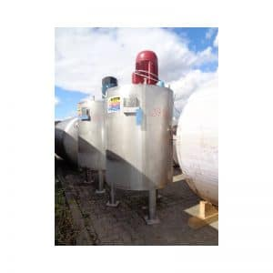 mixing-tank-1100-litres-standing-front-3756