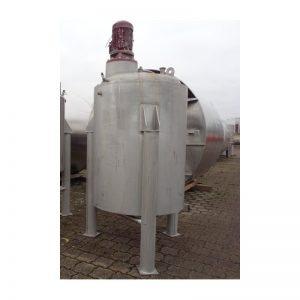 mixing-tank-1100-litres-standing-front-3784