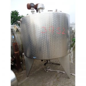 mixing-tank-2000-litres-standing-front-3952