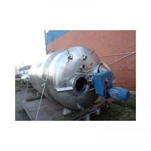 mixing-tank-4500-litres-standing-outside-3700