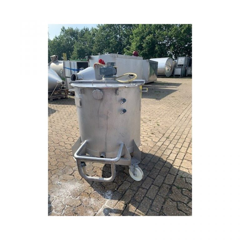 mixing-tank-500-litres-standing-front-3879