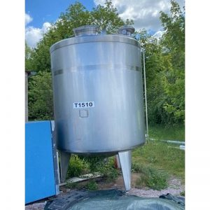 mixing-tank-5000-litres-standing-front-3949