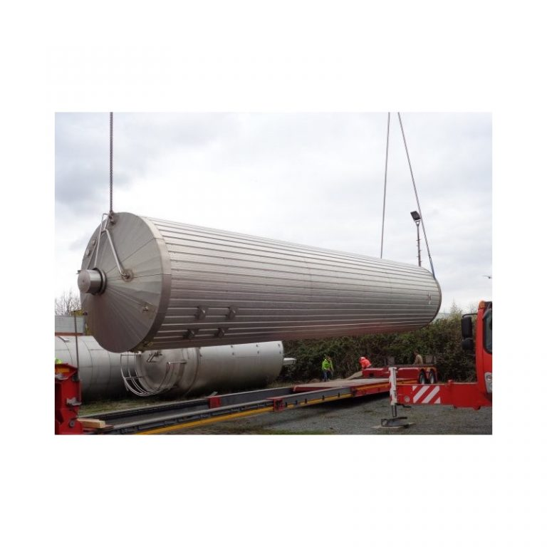 stainless-steel-tank-102400-litres-standing-outside-3865