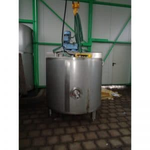 mixing-tank-1040-litres-standing-front-3917