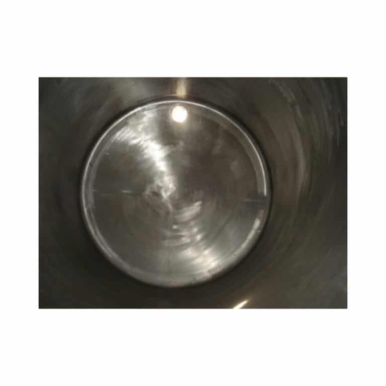 stainless-steel-tank-10000-litres-laying-inside-3195