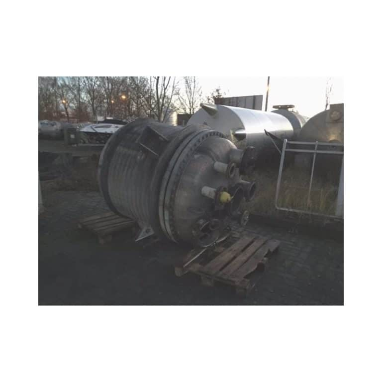 stainless-steel-tank-16000-litres-standing-top-side-3446