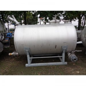 stainless-steel-tank-3000-litres-laying-bottom-3907