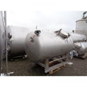 stainless-steel-tank-3000-litres-laying-front-3907