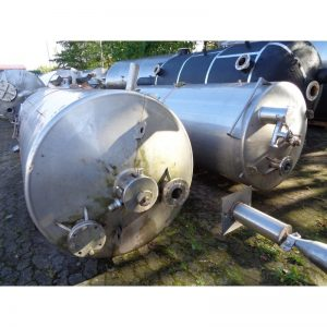 stainless-steel-tank-3000-litres-standing-top-3904