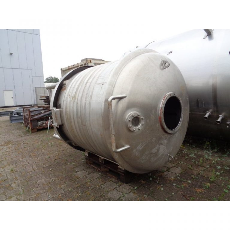 stainless-steel-tank-3000-litres-standing-top-3905
