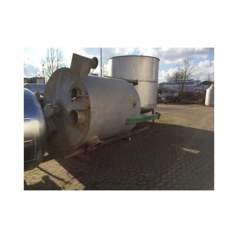 stainless-steel-tank-5600-litres-standing-top-3468