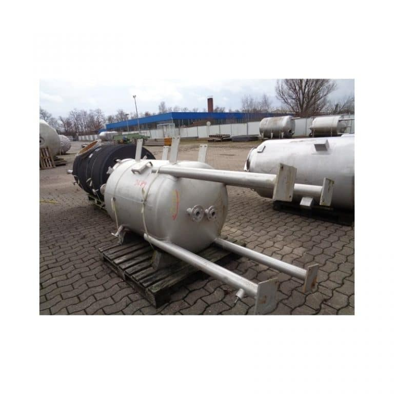 stainless-steel-tank-950-litres-standing-bottom-3689
