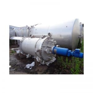mixing-tank-1200-litres-standing-outside-3643