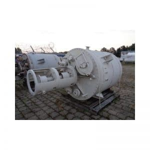 mixing-tank-2560-litres-standing-top-3658