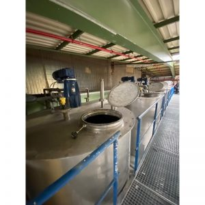 mixing-tank-8000-litres-standing-outside-3967