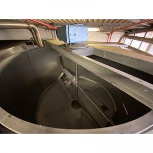 mixing-tank-9130-litres-standing-top-3959