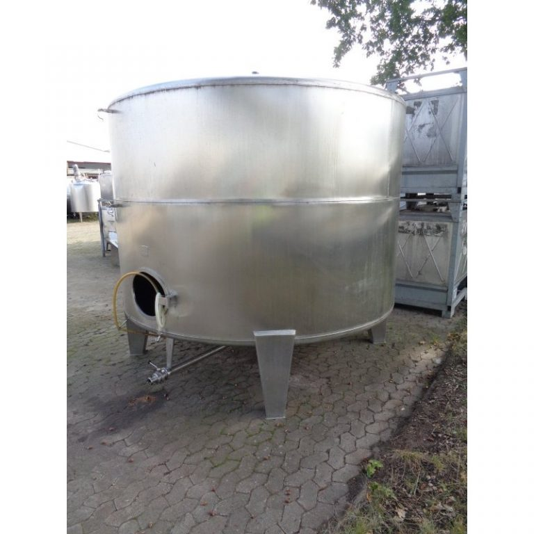 stainless-steel-tank-12350-litres-standing-back-3969