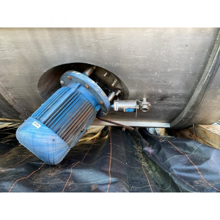 stainless-steel-tank-57000-litres-standing-3971 (2)
